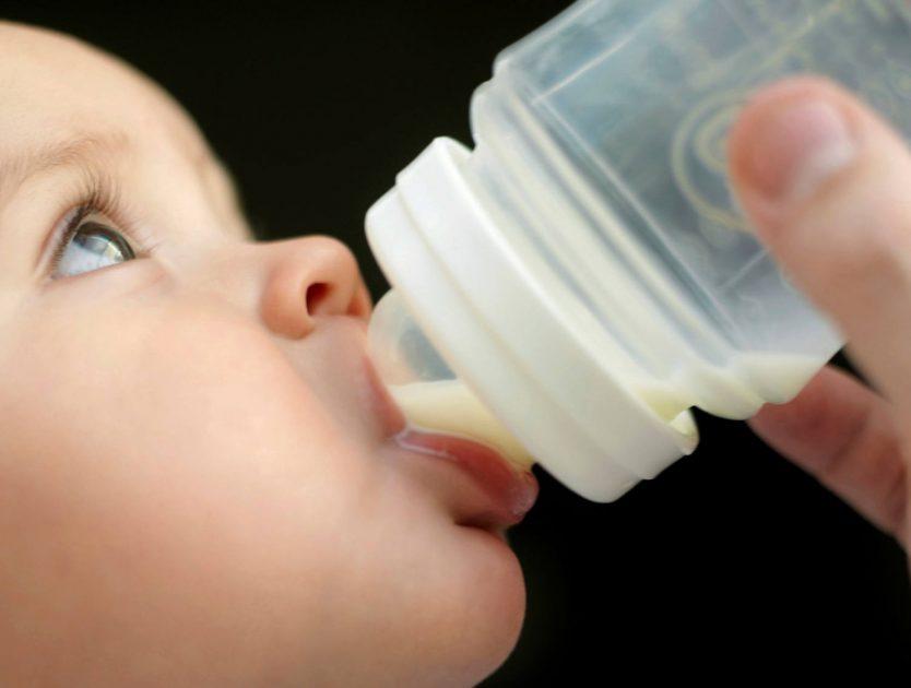 Flaschennahrung für Babys - welche Milch?