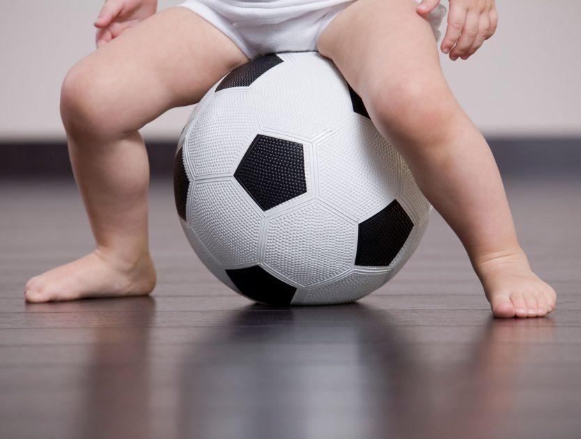 Fußballhaltung bzw. Fußballstellung