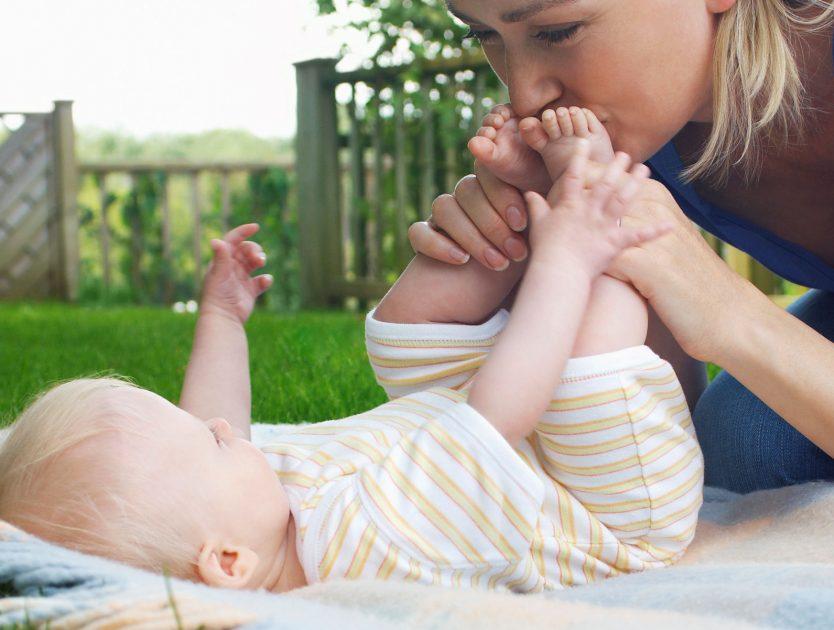 Babys Hände oder Füße sind kalt - warum?